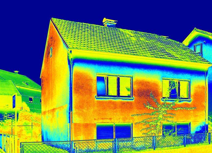 Namu šiltinimas, sienu šiltinimas, fasado šiltinimas, pamatų šiltinimas