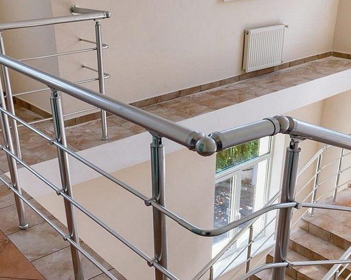 Aliuminio laiptu turėklai