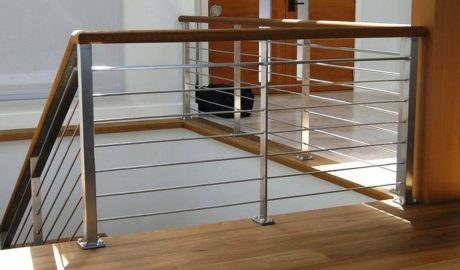 Metaliniu laiptų turėklu tipai ir medžiagos